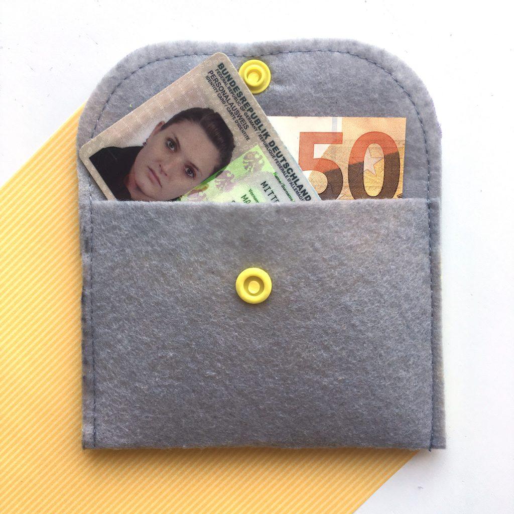 DIY Kartenetui aus Filz nähen made by Oni mit Geld
