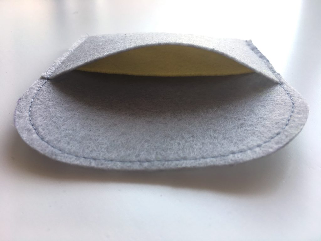DIY Kartenetui aus Filz nähen made by Oni innen