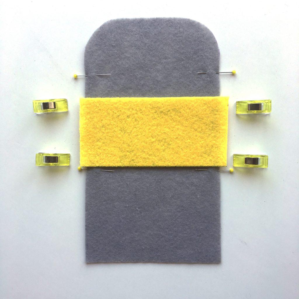 DIY Kartenetui aus Filz nähen made by Oni Innenteil aufsetzen
