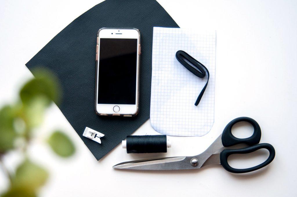 Handy Tasche aus Kunstleder made by Oni Material