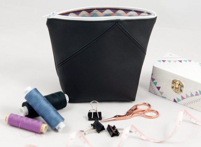 Kosmetiktasche schwarzes Kunstleder